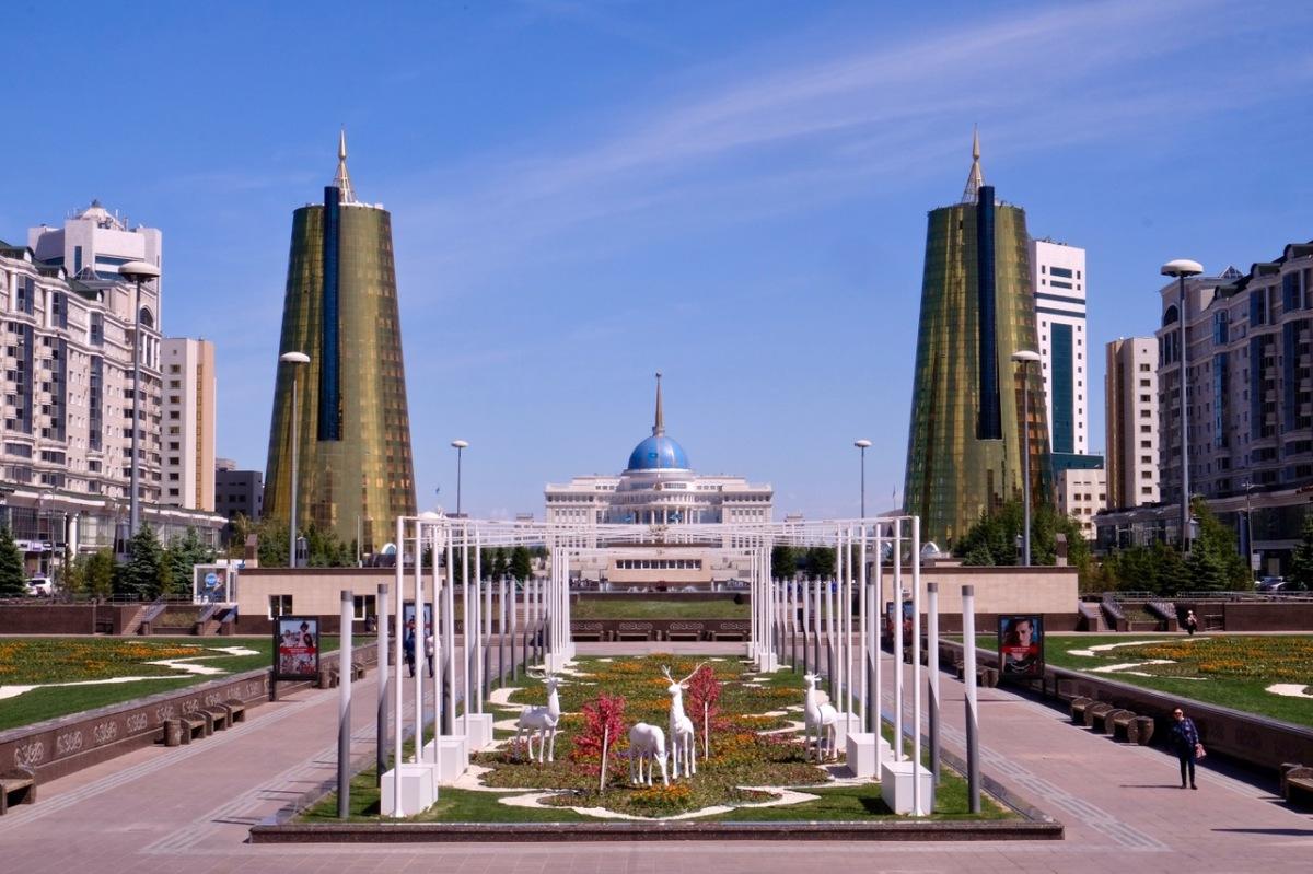 Retortenstadt und Spielplatz für Architekten
